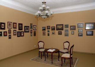 Memorialinė G. Petkevičaitės-Bitės ekspozicija Puziniškio muziejuje. Atidaryta 1987 m. 2010 m. po pastato rekonstrukcijos ekspozicija atnaujinta. V. Benašo nuotrauka