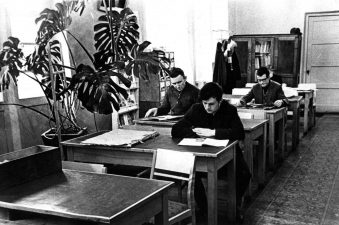 Panevėžio miesto masinės bibliotekos Nr. 1 skaitykla. 1960 m. A. Gylio nuotrauka