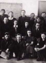 3.Panevėžio dramos teatro kolektyvas repeticijų salėje. 1941 m. Nuotrauka iš privačios kolekcijos