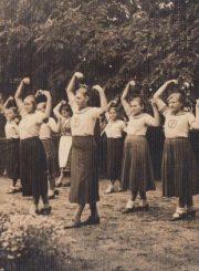 3.Ramygalos pavasarininkės. XX a. 4 deš. Nuotrauka iš V. Višniausko archyvo