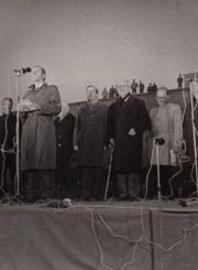 3.Tautinės vėliavos pakėlimo ceremonija. Nuotrauka iš Panevėžio kraštotyros muziejaus rinkinių