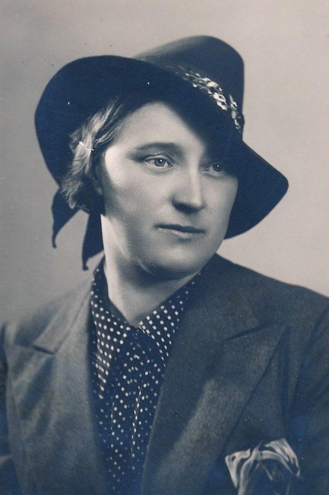 Aleksandra Šilgalytė. Fotogr. J. Žitkaus. Panevėžys. 1940 m. PAVB F80-690