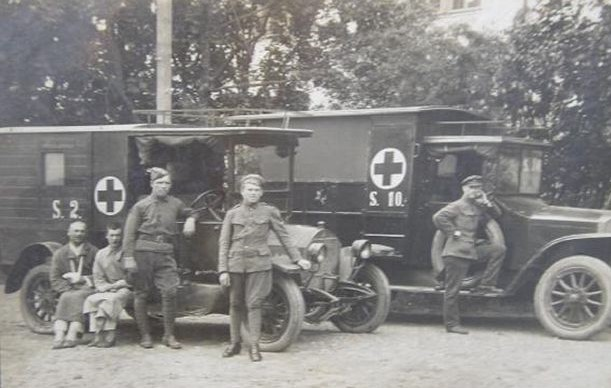 1.Benzo sanitarinis automobilis. Nuotrauka iš privačios kolekcijos