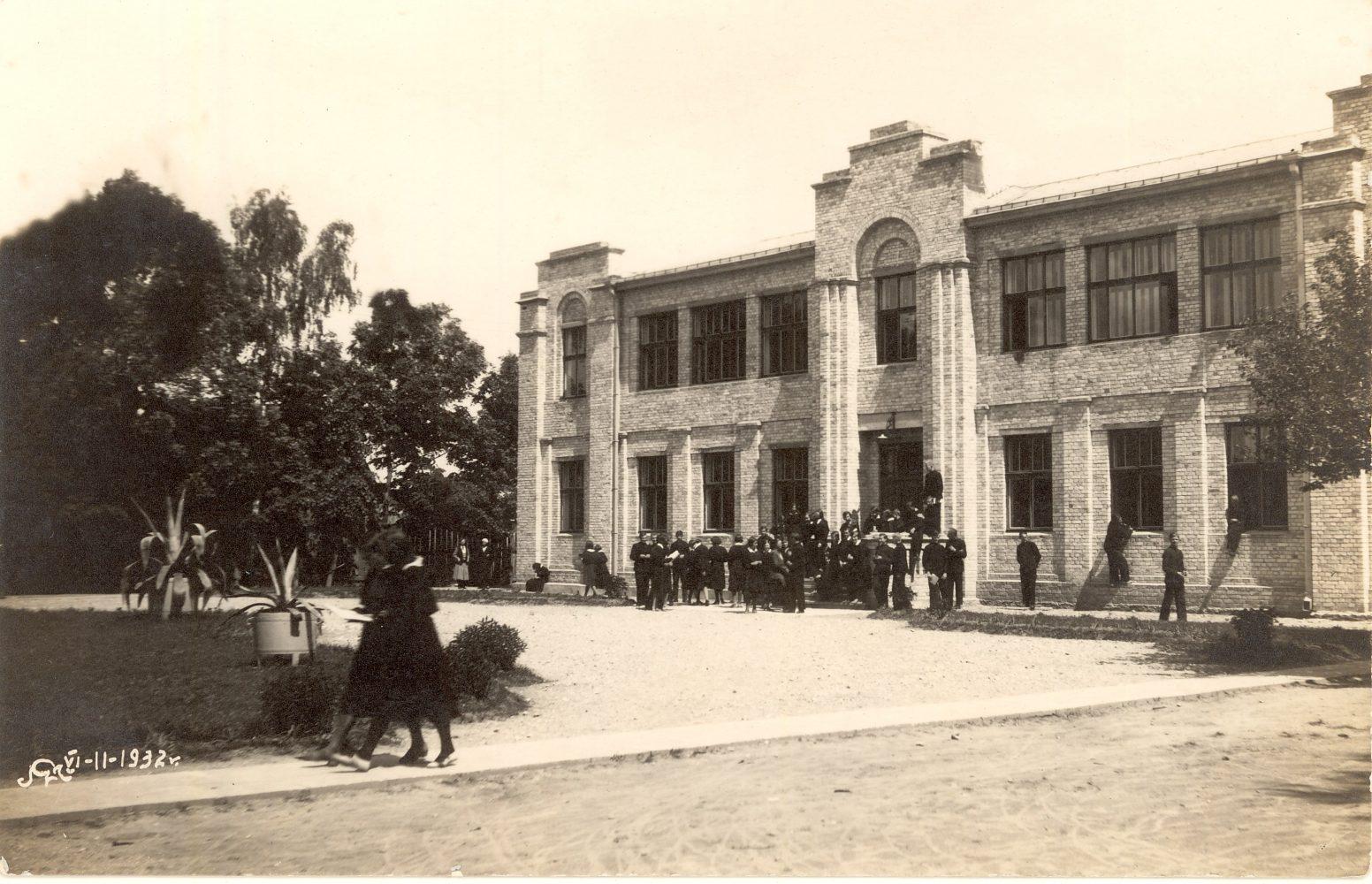 Panevėžio lenkų gimnazija. 1932 m. PAVB F96-492