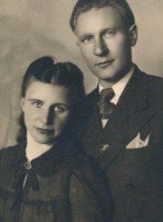 Pedagogai Emilija ir Augustinas Juzulėnai. Panevėžys. 1946 m. PAVB F116-41