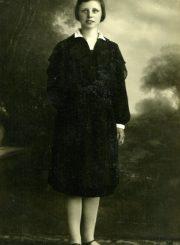 Emilija Šukytė-Juzulėnienė. 1929 m. Gelažiai (Panevėžio r.). PAVB F116-40/1