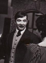 """A. Strindbergas """"Mirties šokis"""" (rež. Juozas Miltinis), 1973 m. Donatas Banionis – Edgaras, tvirtovės artilerijos pulkininkas; Bronius Babkauskas – Kurtas, karantino viršininkas; Dalia Melėnaitė – Alisa, Edgaro žmona, buvusi aktorė. Fotogr. K. Vitkaus. PAVB FKV-200/5-53"""