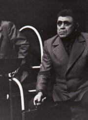 """J. Grušas """"Pijus nebuvo protingas"""" (rež. Juozas Miltinis), 1974 m. Enrikas Kačinskas – Pijus, Donatas Banionis – Brukas. Fotogr. K. Vitkaus. PAVB FKV-208/7-2"""