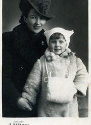 Paulina Jankevičienė su dukra Nijole Jankute. Apie 1934 m.