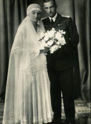 """Broniaus ir Vandos Vaivadų vestuvinė nuotrauka. 1932 07 29. Kaunas. Foto """"Modern"""". PAVB F30-7"""