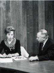 Nijolės Jankutės-Užubalienės pašnekesys su poetu Kaziu Bradūnu jo naujos knygos sutiktuvių proga. Lietuvių televizija, Čikaga. 1967 m.