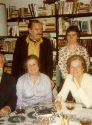 Rašytojai Petras Gaučys, Julija Švabaitė, Nijolė Jankutė-Užubalienė, Marija Saulaitė, Algirdas Titus Antanaitis. 1978 m. PAVB F130-158