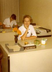 Nijolė Jankutė-Užubalienė savo darbo vietoje Forest Hill medicinos centre. 1979 m. PAVB F130-155
