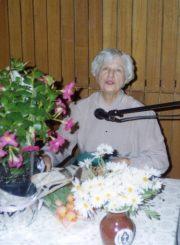 Rašytoja Nijolė Jankutė-Užubalienė jai skirtoje kūrybos popietėje Lietuvių klube. Bankstown (Australija), 2005 m. PAVB F130-167