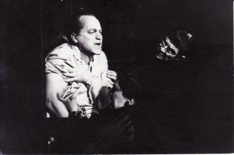 Gediminas Karka – Emilis Biokmanas, Bronius Babkauskas – Frankas V, Romualda Mikalauskaitė – Otilija. Fotogr. K. Vitkaus. PAVB FKV-191/1-109