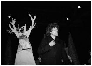 "Po spektaklio ""Baltas briedis"" Lietuvos akademiniame dramos teatre. Vilnius, 1995 m."