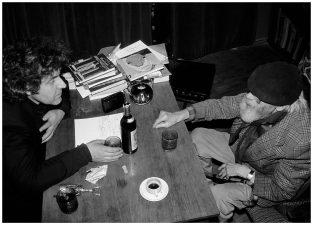 Rimtas pokalbis su Juozu Miltiniu jo namuose. Panevėžys, 1992 m.