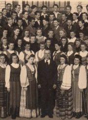 2. Panevėžio mokytojų seminarijos choras. 1946–1947 m. Nuotrauka iš V. Vyšniausko archyvo