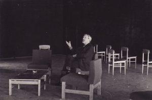 """Pirmoji repeticija naujame teatre – R. Lankausko pjesė """"Viskas baigsis šiandien"""". 1967 12 6. Fotogr. Kazimiero Vitkaus. PAVB FKV-347/36"""
