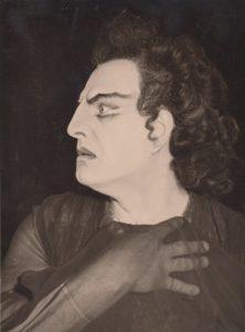 """Jonas Stasiūnas – Demonas A. Rubinstein operoje """"Demonas"""". 1949 m. Aušros Stasiūnaitės asmeninis fotografijų archyvas"""