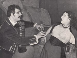 """Irena Jasiūnaitė ir Jonas Stasiūnas – Don Sebastianas E. d'Albert operoje """"Slėnis"""". 1956 m. Aušros Stasiūnaitės asmeninis fotografijų archyvas"""
