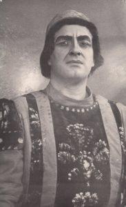 """Jonas Stasiūnas – Kapuletis Ch. Gounod operoje """"Romeo ir Džiuljeta"""". 1961 m. Aušros Stasiūnaitės asmeninis fotografijų archyvas"""