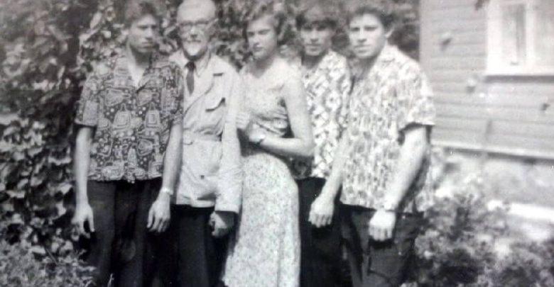 1. Matas Grigonis su dukterėčia Regina Kietyte ir jos pusbroliais. 1964 m. Nuotrauka iš R. Kietytės asmeninio archyvo