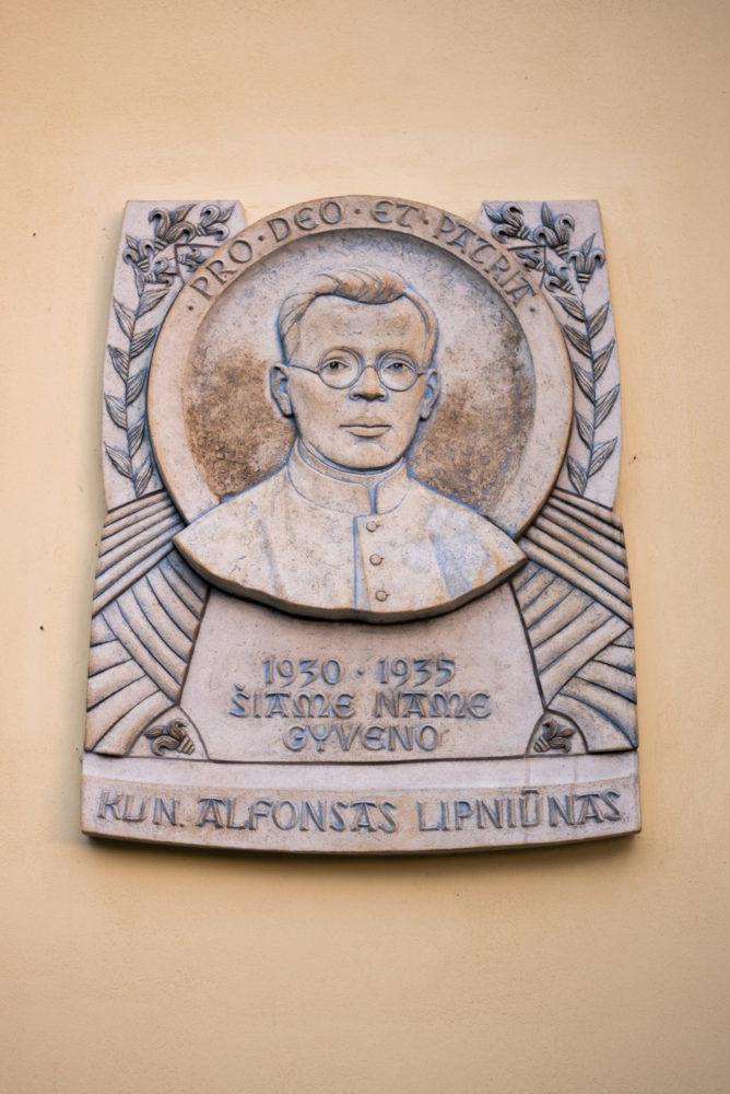 Atminimo lenta Alfonsui Lipniūnui. Nuotrauka Mazylis Media