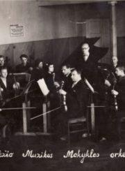 3. Panevėžio muzikos mokyklos orkestras. 1949 m. Nuotrauka iš F. Svirskio artimųjų rinkinių