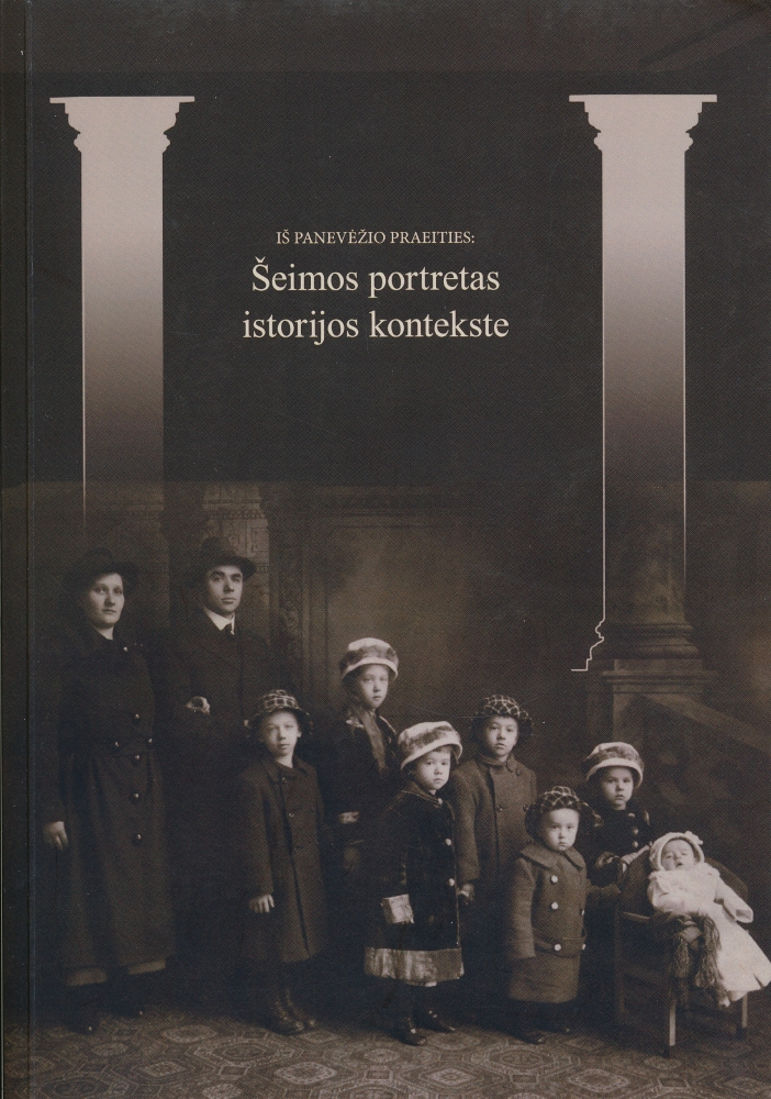 Šeimos portretas istorijos kontekste