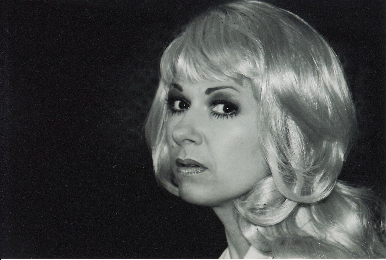 """R. Šavelis """"Tamarikso žydėjimas"""" (rež. Ramutis Rimeikis), 2006 m. Asta Preidytė – Filomena. Fotogr. I. Žilėnaitės"""