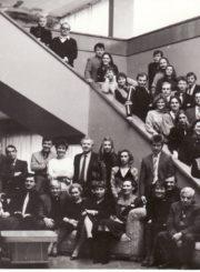 Panevėžio dramos teatro kolektyvas. Asta Preidytė – antroje eilėje, iš kairės 9-a. 1988 m. PAVB FKV-440/25