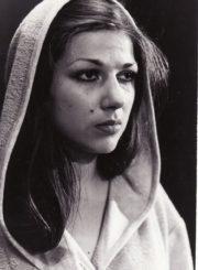"A. Arbuzovas ""Netikėtas svečias"" (rež. Jonas Pakulis), 1981 m. Asta Preidytė – Kira. Fotogr. K. Vitkaus. PAVB FKV-226/16-1"