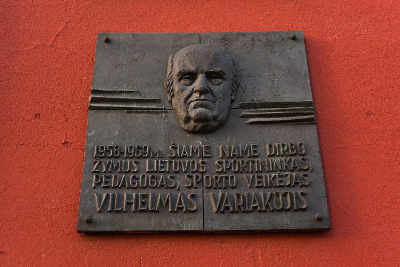 Atminimo lenta Vilhelmui Variakojui. Nuotrauka Mazylis Media