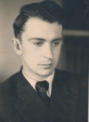Algirdas Neveravičius studijų metais. Vilnius. 1949 m. Panevėžio apskrities Gabrielės Petkevičaitės-Bitės viešoji biblioteka, Algirdo Neveravičiaus fondas F143-509