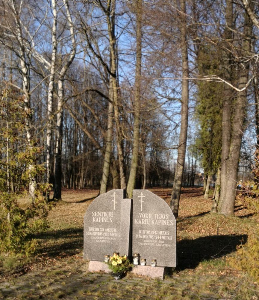 Paminklas sentikių ir Vokietijos karių kapinių vietai pažymėti. Astos Rimkūnienės nuotrauka