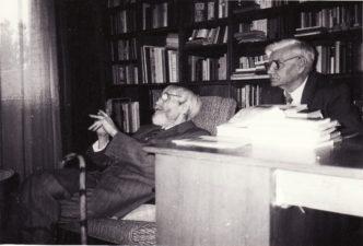 Vaclovas Blėdis (dešinėje) su Juozu Miltiniu, švenčiančiu 85-erių metų sukaktį. Panevėžys, 1992 09 03. Fotogr. Juozo Šlivinsko. PAVB FMJ-1018/1