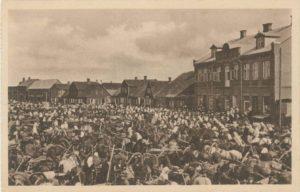 Biržų turgavietė. Iš: Lietuva [atvirukų rinkinys]. Ser. 1 / P. Rusecko. [Kaunas], [1922]. PAVB S-Ra 1068
