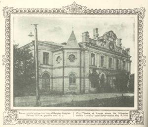 Kauno miesto teatras, kur buvo atidarytas Steigiamasis Seimas 1920 m. gegužės mėn. 15 d. Iš kn.: Lietuvos albumas / [parengė ir suredagavo Liudas Gira], Kaunas, [1921]. PAVB S 15229