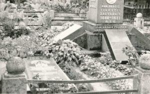 Kunigo Povilo Šidlausko kapavietė Panevėžio Kristaus Karaliaus katedros kapinėse. Nuotrauka iš Kristupo Šidlausko asmeninio archyvo