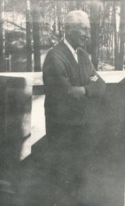 Prelatas Povilas Šidlauskas. Kulautuva (Kauno r.). 1969.08.20. Nuotrauka iš Kristupo Šidlausko asmeninio archyvo