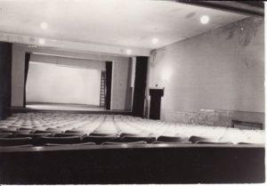 Senojo teatro salė. Fotogr. Kazimiero Vitkaus. PAVB FKV-348/159