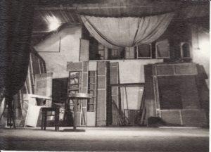 Senoji scena. 1948 m. Fotogr. Kazimiero Vitkaus. PAVB FKV-288/2