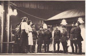 """Scena iš teatro pirmojo pastatymo """"Sidabrinis slėnis"""". PAVB FJM-1019/30"""