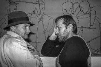 Algimantas Aleksandravičius ir Stasys Petrauskas (Bitlas). Algimanto galerija, Panevėžys. 1995 m.