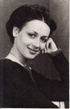 Eleonora Koriznaitė (g. 1960 m.) Teatre nuo 1980 m. Fotogr. Kazimiero Vitkaus. PAVB FKV-403/22