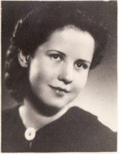 Veronika Ruminavičiūtė. Teatre 1940–1942 m. PAVB FKV-398/73