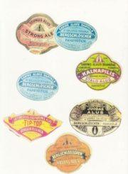 Alaus daryklos etiketės iš Panevėžio kraštotyros muziejaus rinkinių
