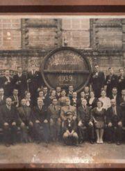 Alaus daryklos darbuotojai ir savininkai 1939 m. Nuotrauka iš Panevėžio kraštotyros muziejaus rinkinių