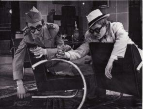 """A. Jakobsonas """"Šakalai"""" (rež. Juozas Miltinis), 1953 m. Bronius Babkauskas – Mok-Kenedi, Vaclovas Blėdis – Briusas. Fotogr. Kazimiero Vitkaus. PAVB FKV-457/16"""
